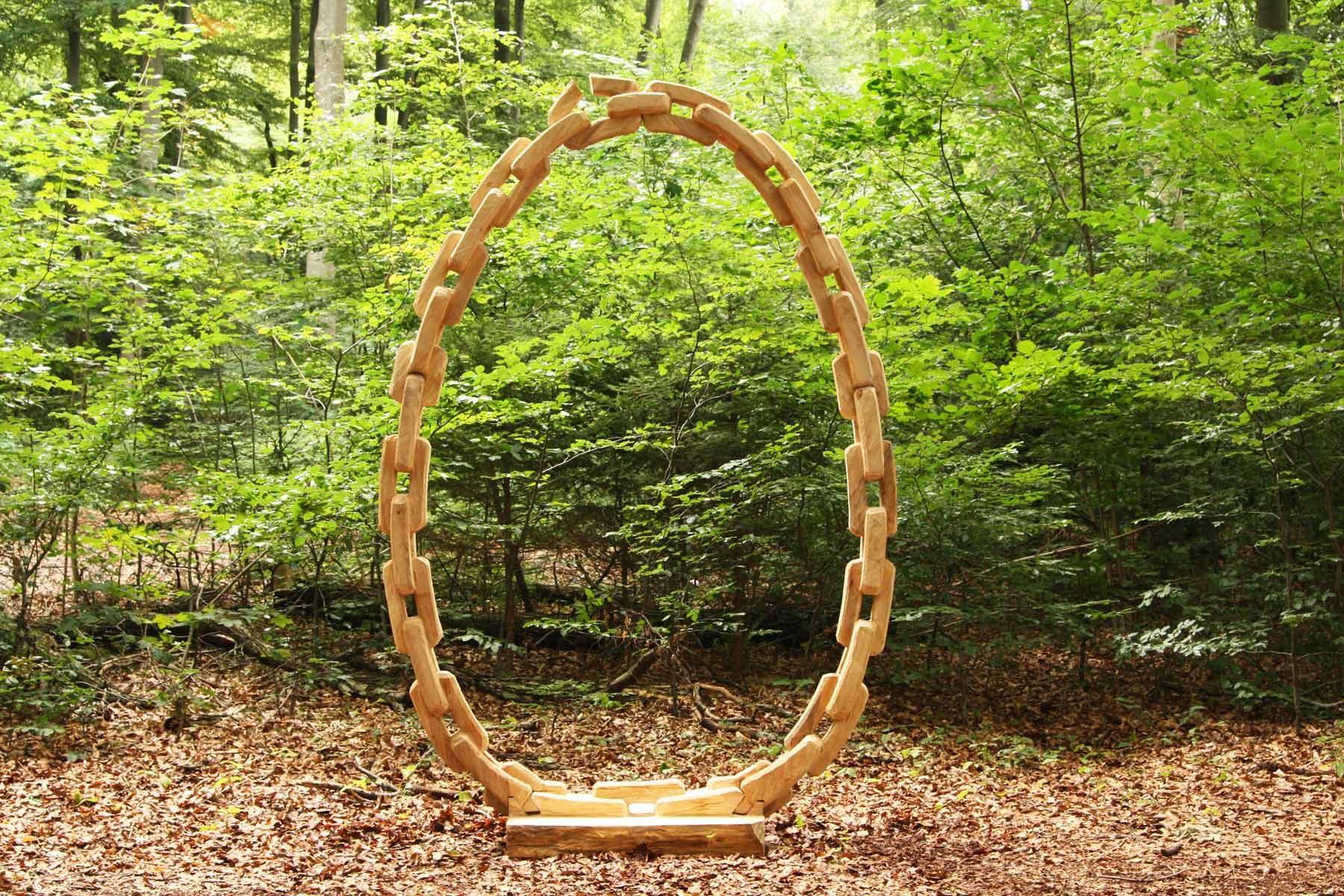 Holzskulptur: Aktiver Kreislauf von Johannes Hofbauer